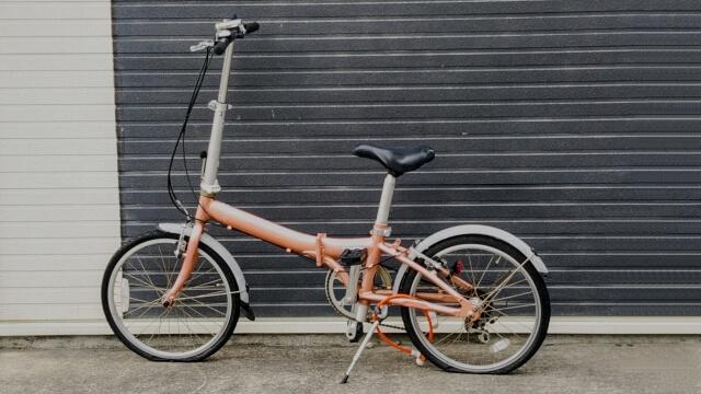 ウーバーイーツ電動自転車折りたたみタイプ