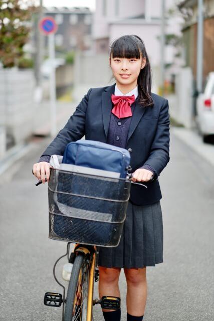 自転車は通学に使うママチャリでOK
